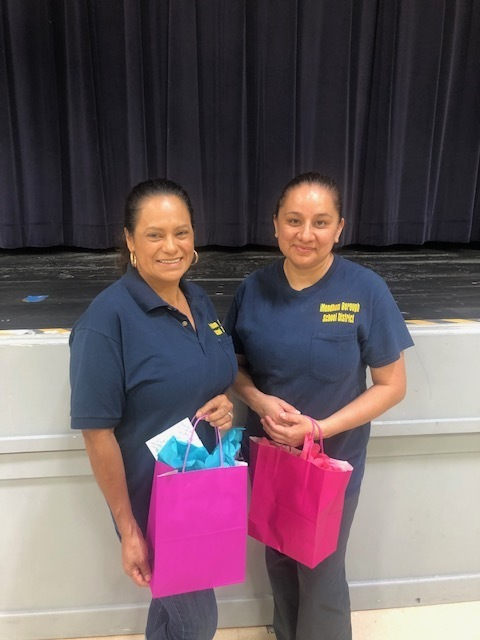Mountain View School Ms. Esquivel and Ms. Boves